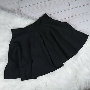 NWOT Skater Mini Skirt Stretchy Fabric